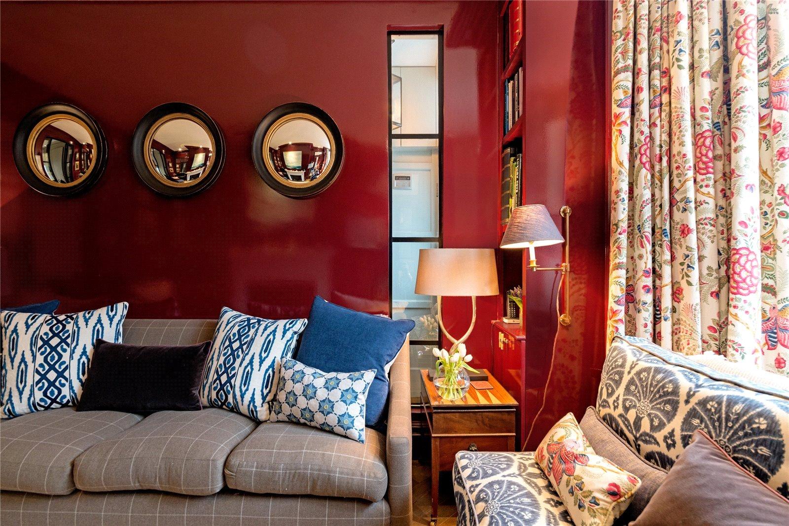 Lucinda Sanford,Lounge