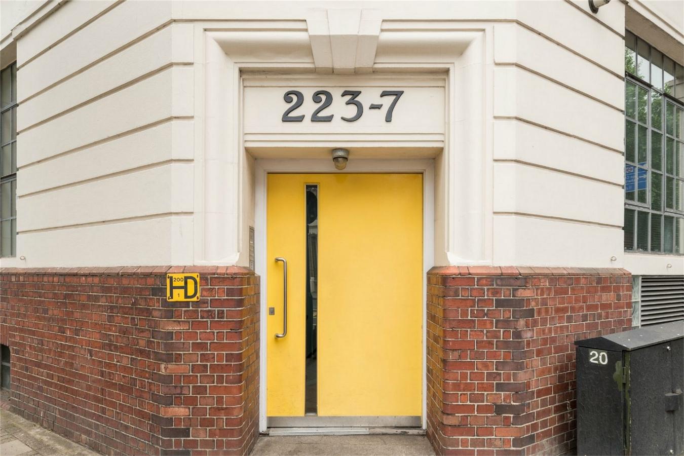 The Modern House,Door