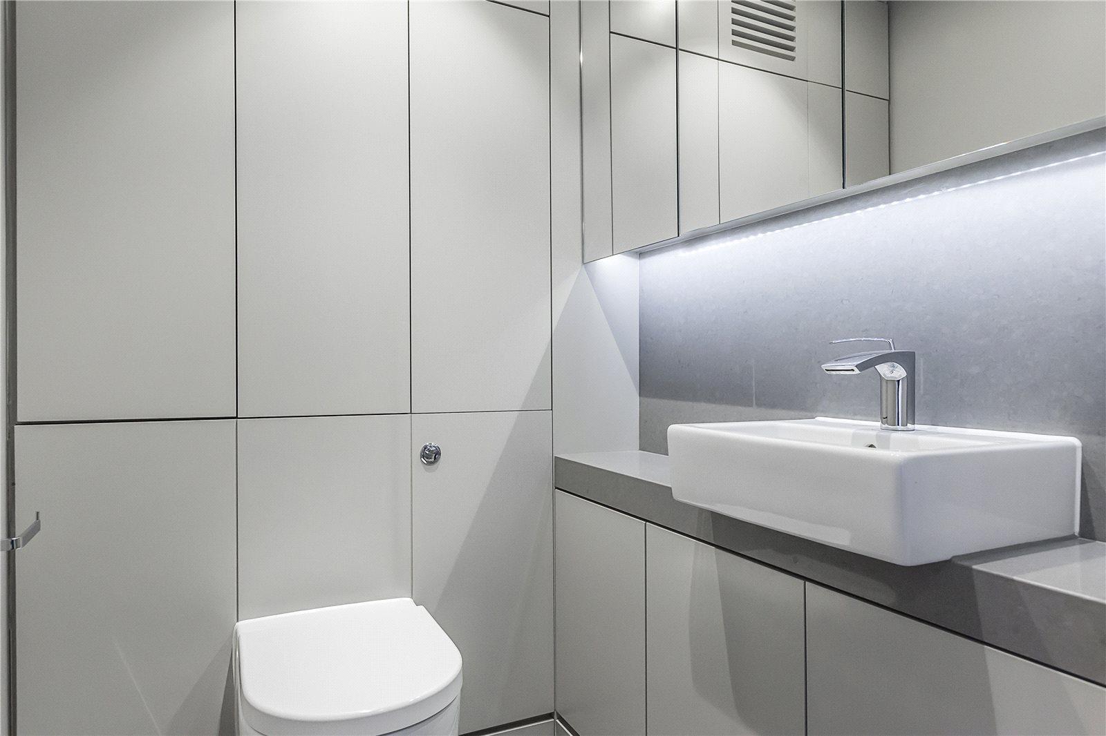 Bolton Studios,Bathroom detail