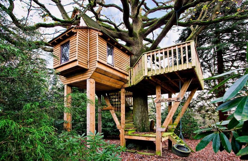 Bespoke Tree Houses Two Eco-lodge Tree Houses