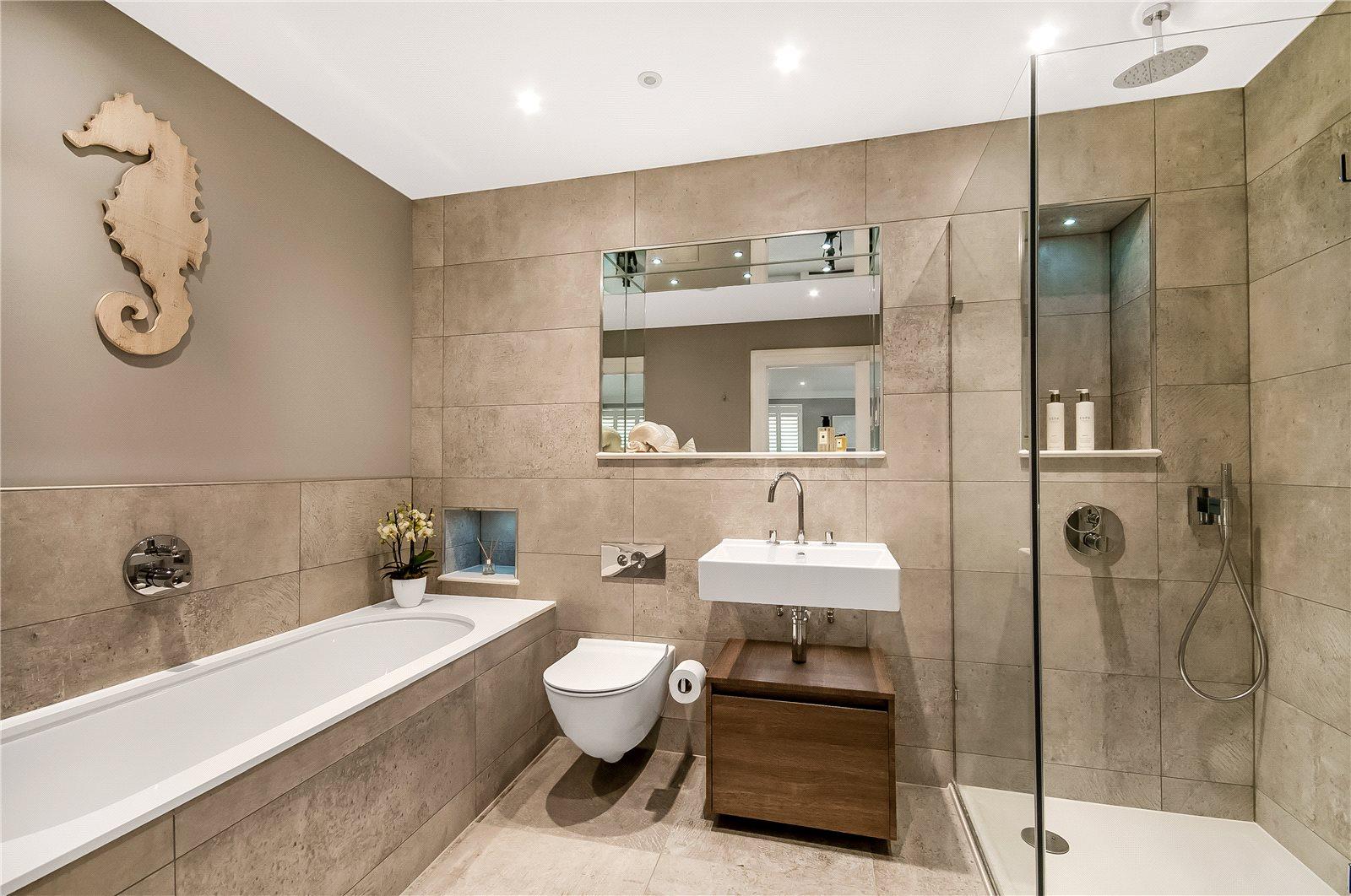 Alfred Homes,Bathroom