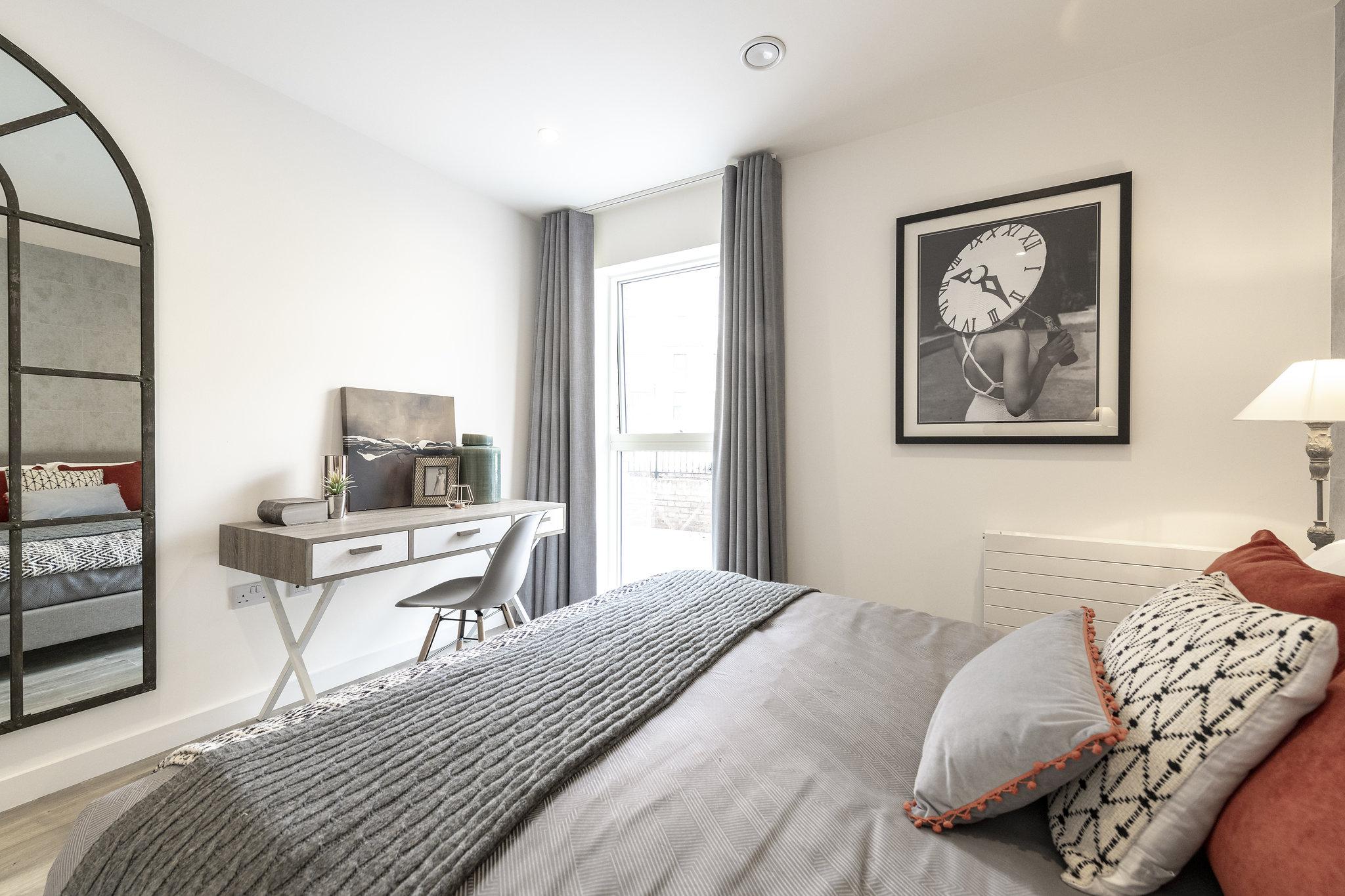 Brentford Lock West,Master Bedroom