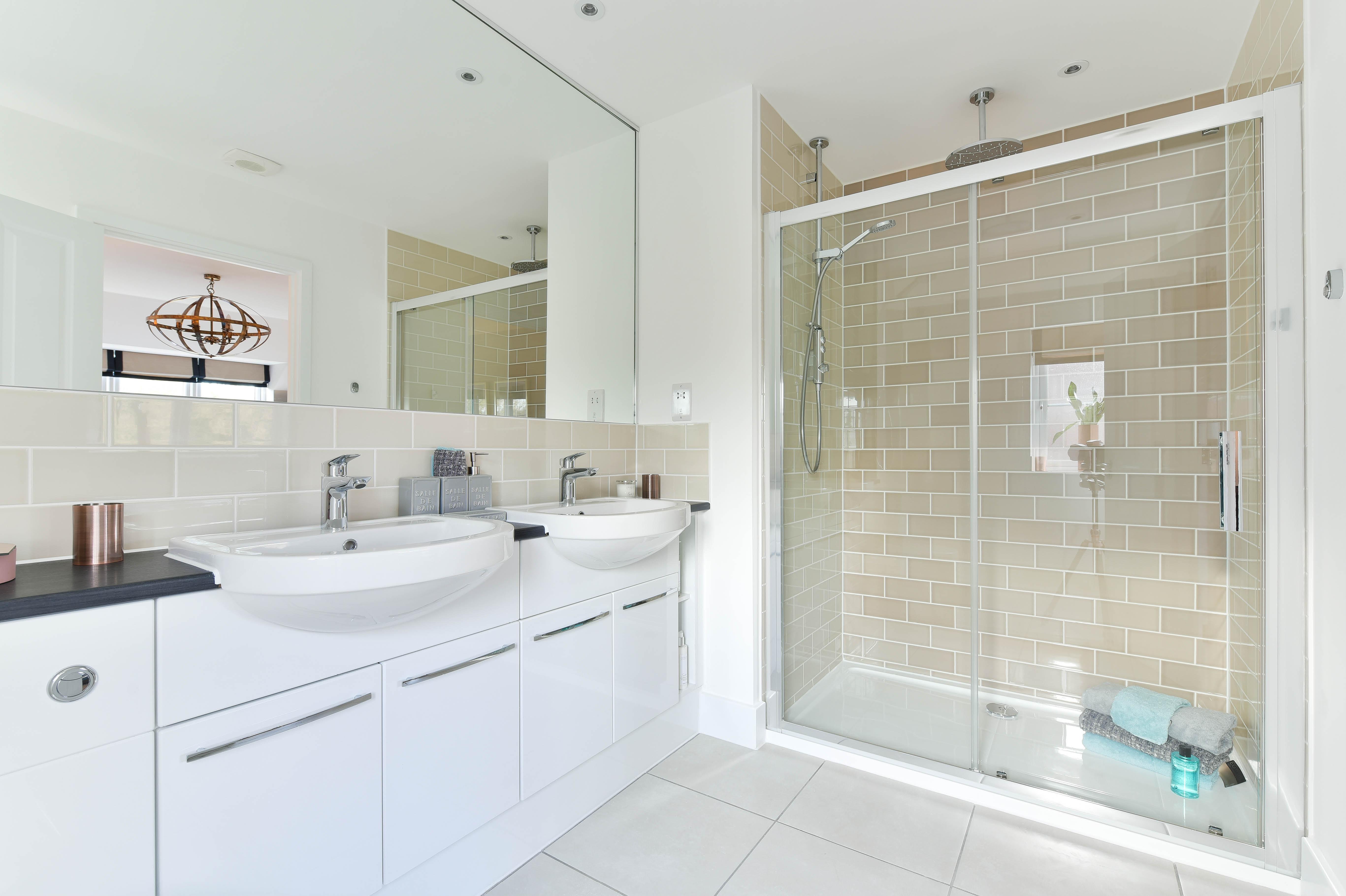 Croudace Homes,Bathroom