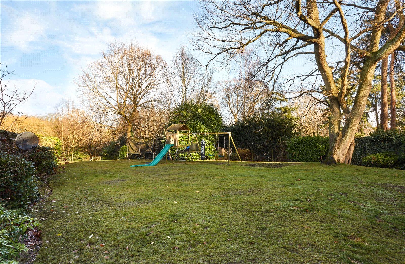 Millwood Designer Homes,Garden
