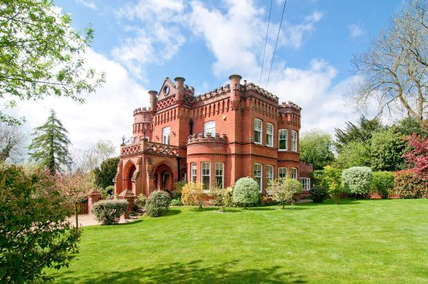 top 10 castles for sale zoopla