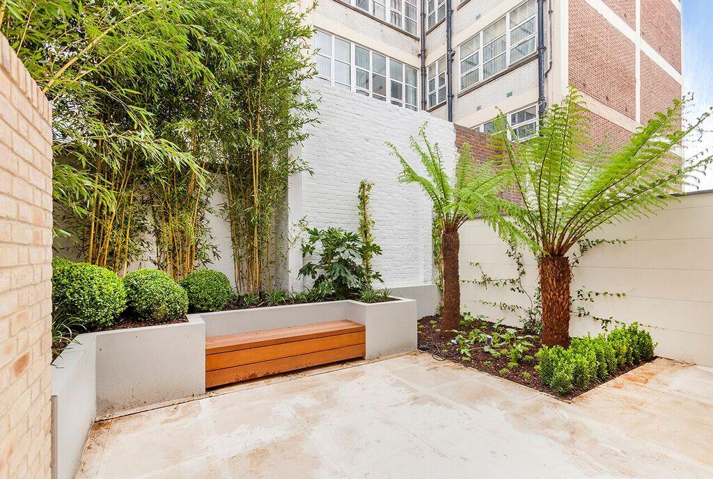 Melody Lane,Garden