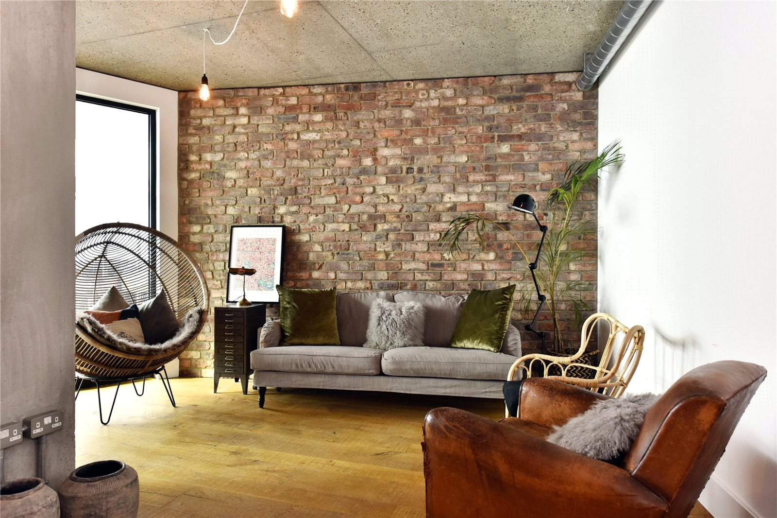 reclaimed,Lounge