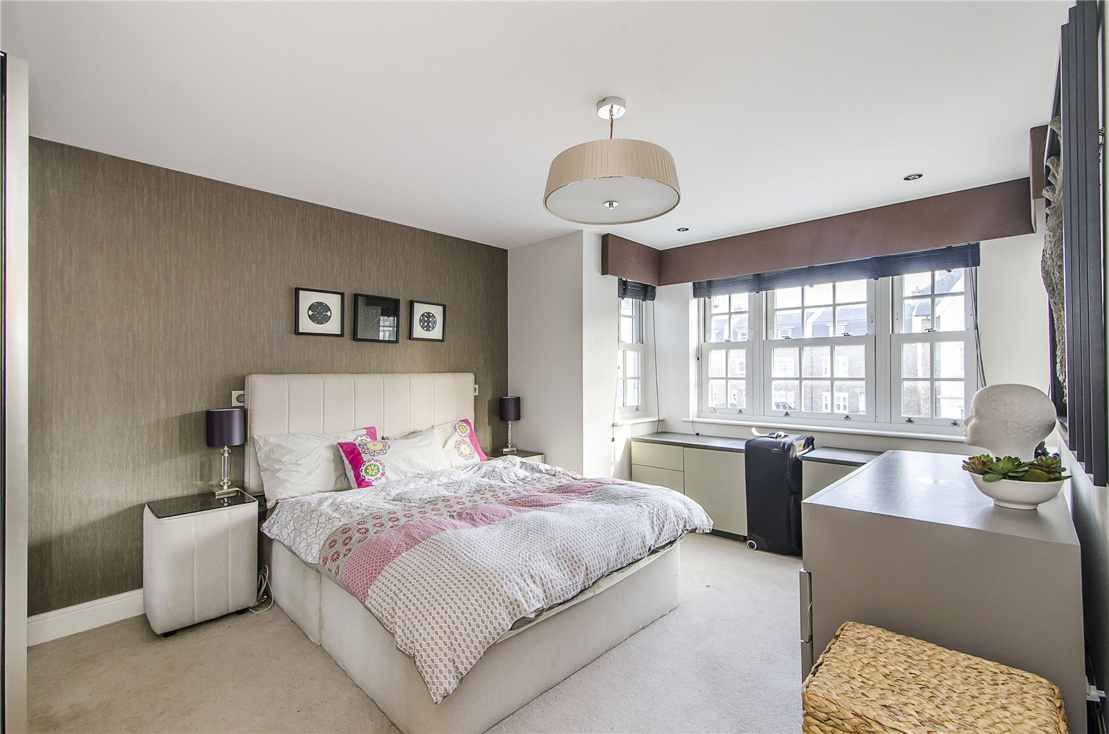 Queen Marys Place,Master Bedroom
