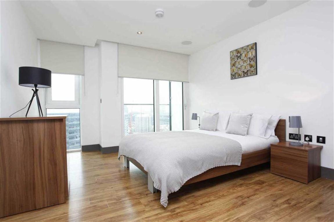 Amtico,Master Bedroom