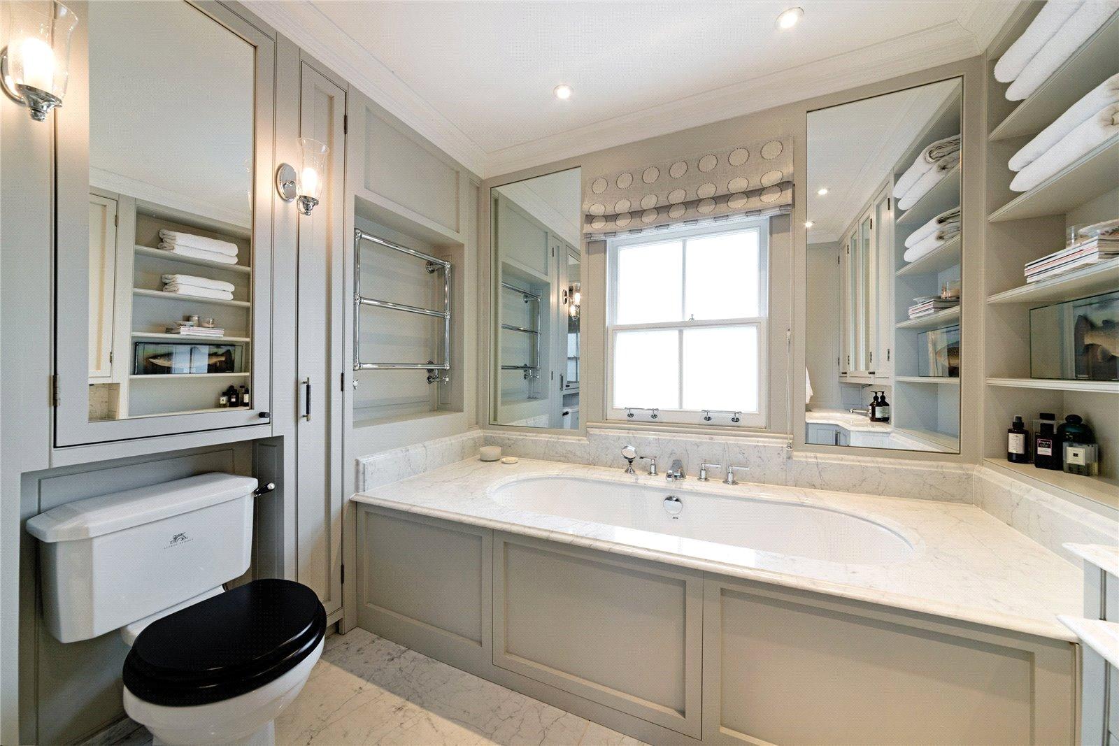 Lucinda Sanford,Bathroom