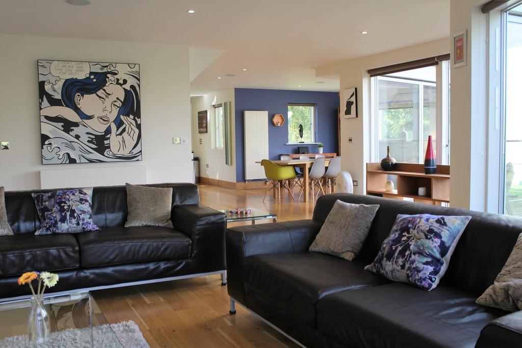 Lower Mill Estate,Family room