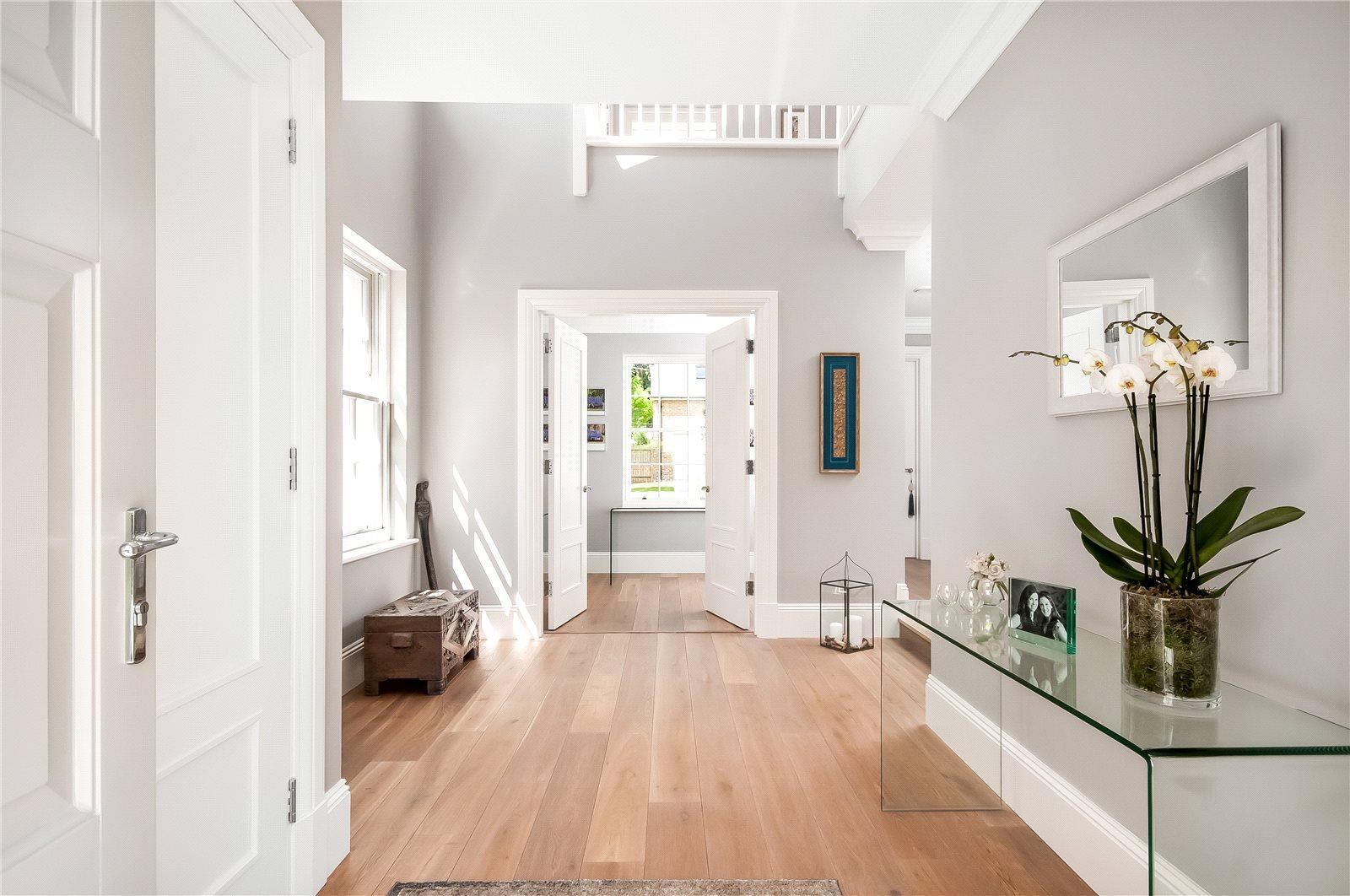 Alfred Homes,Entrances