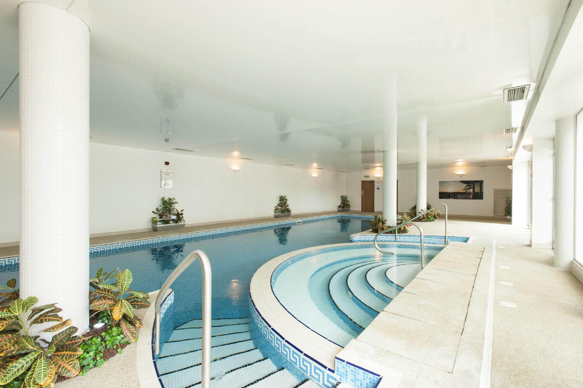 River Crescent,Pool & Sport