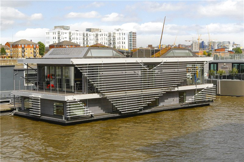 Top 10 most unusual homes for sale zoopla for Modern house zoopla