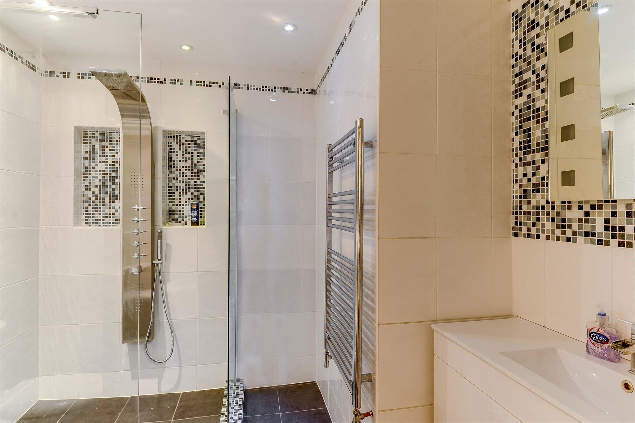 Italian,Bathroom