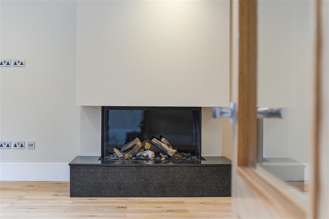 DRU,Fireplace