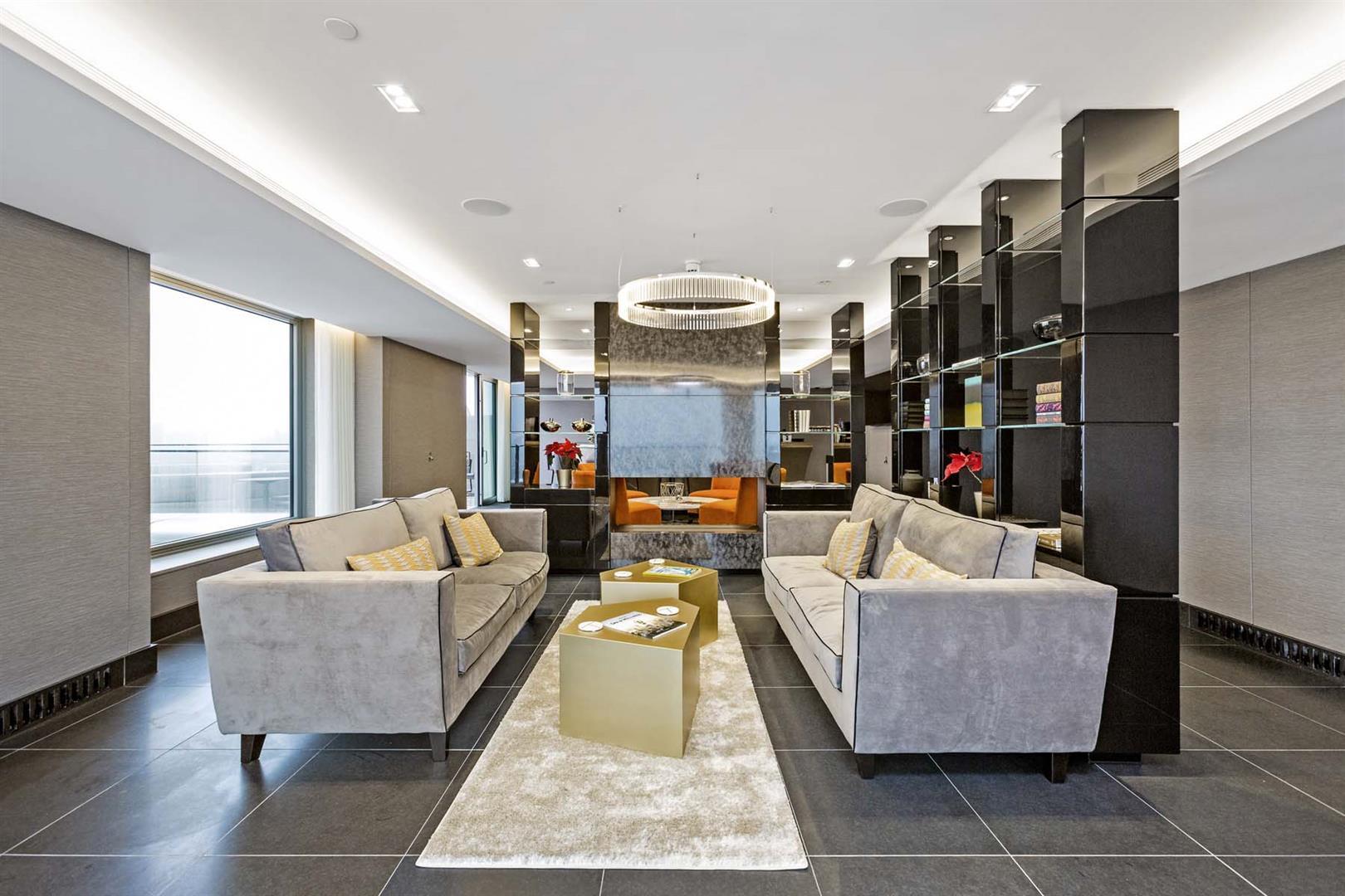 The Corniche,Lounge