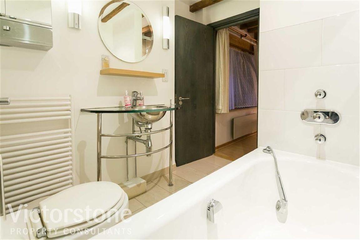 Port East Apartments,En-Suite