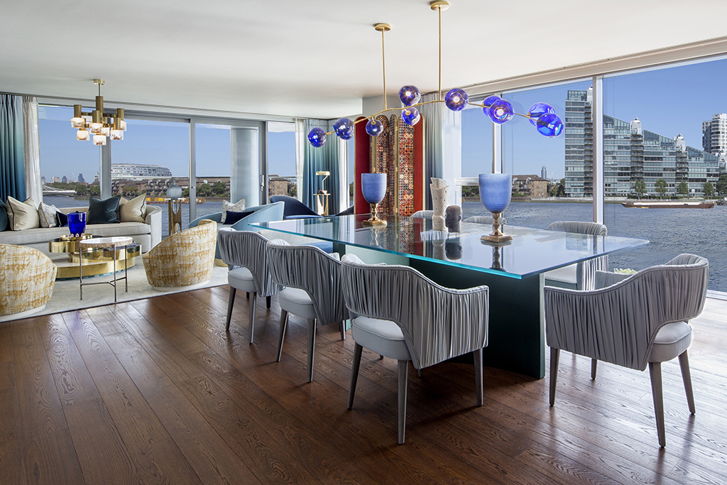Chelsea Waterfront,Dining room