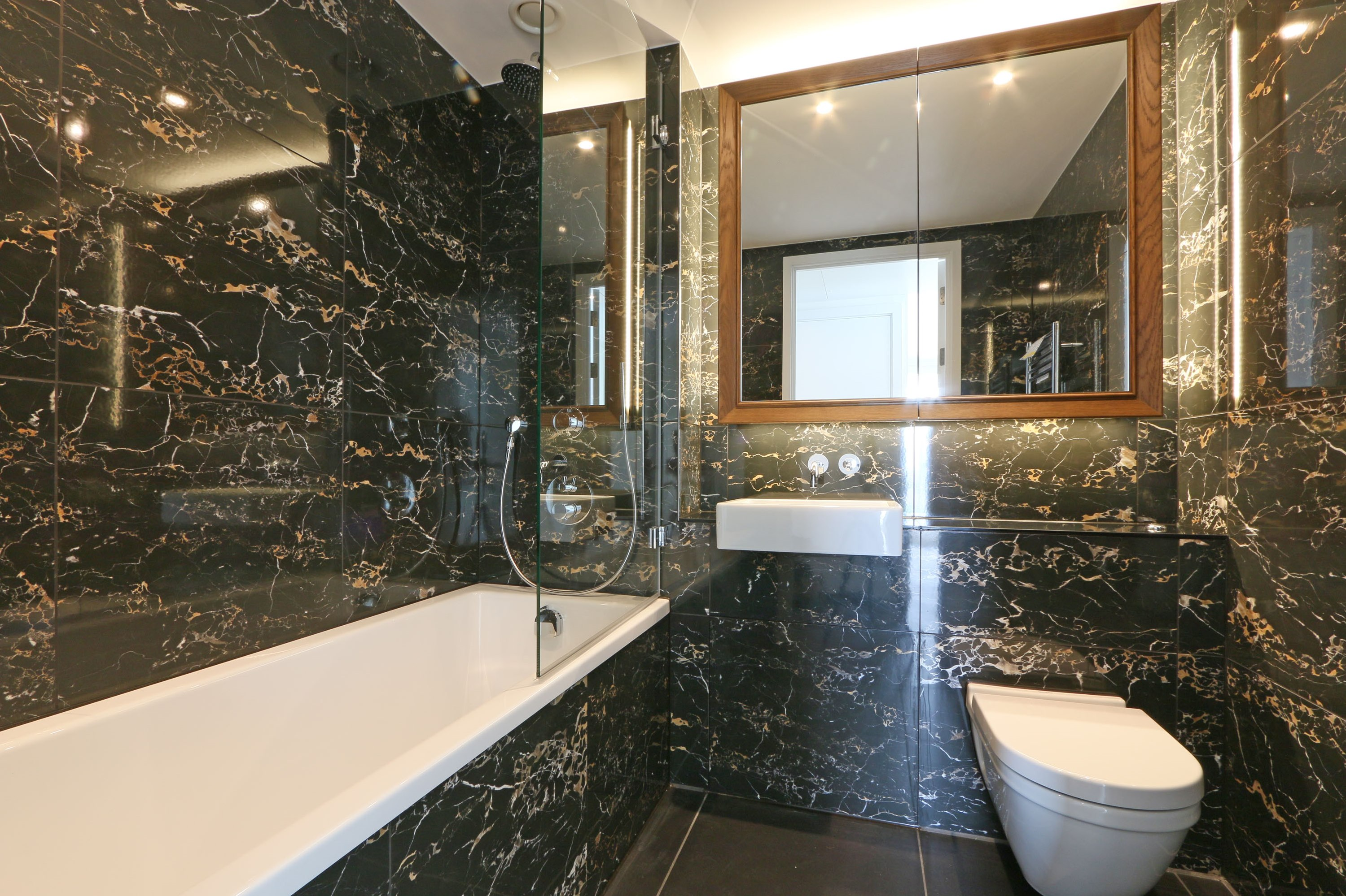 Nine Elms,Bathroom