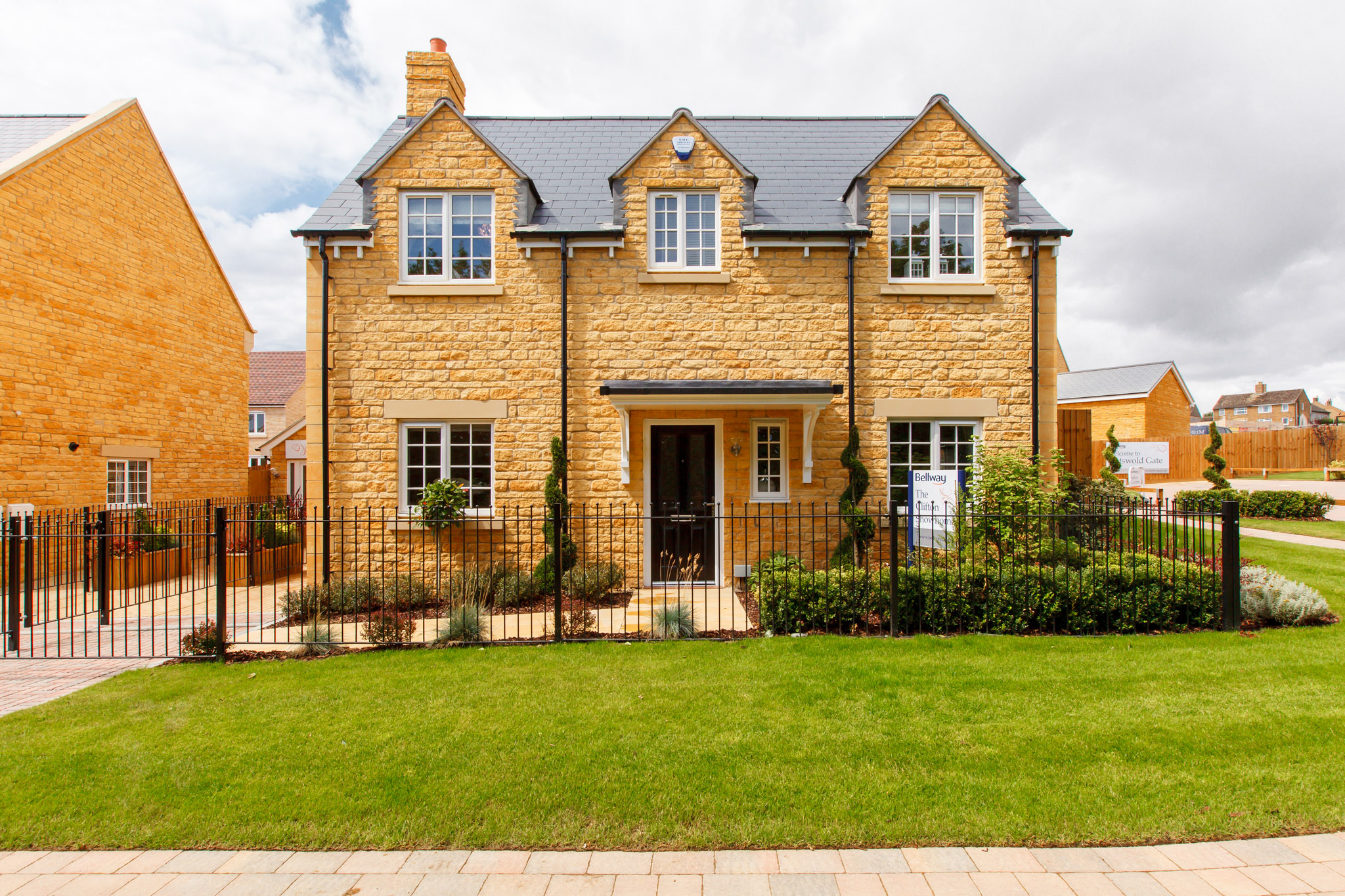 Bellway Homes,Front Elevation