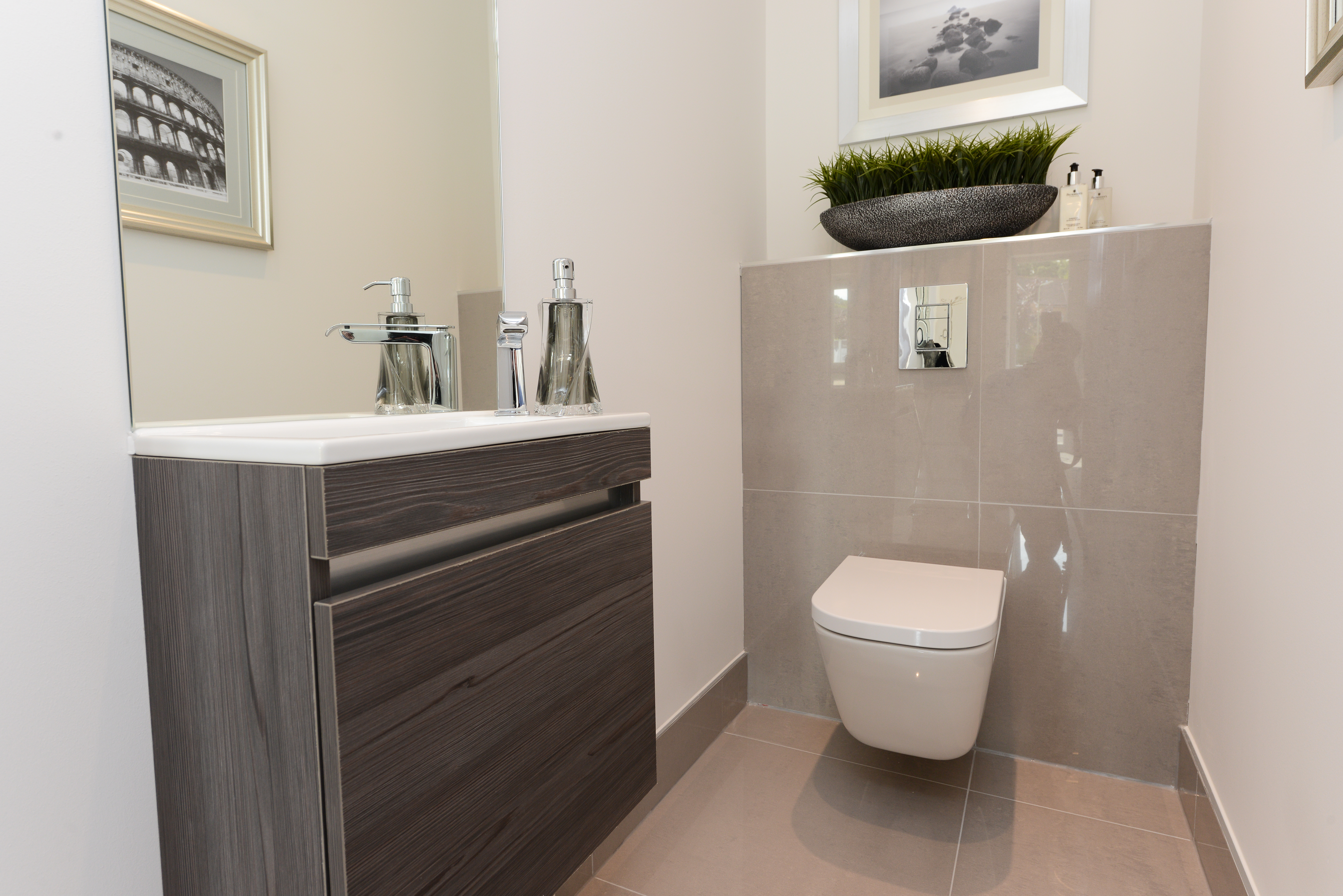 Pentland Homes,Bathroom detail