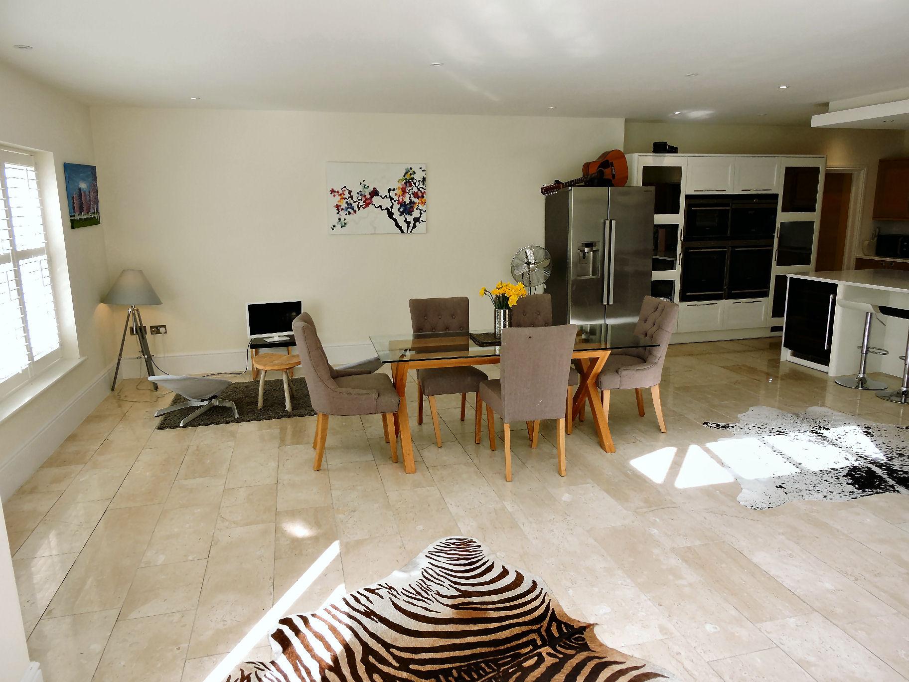 Travertine,Dining room