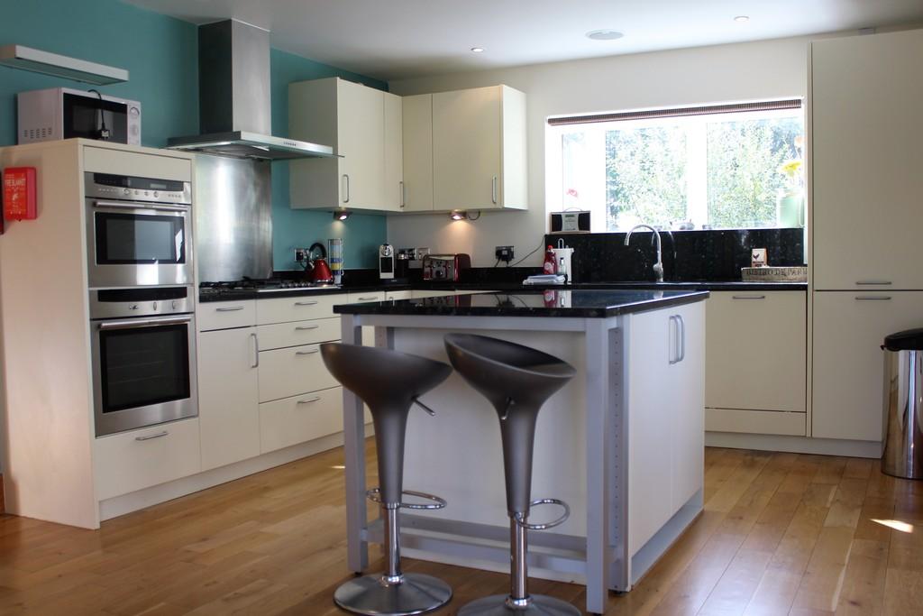 Lower Mill Estate,Kitchen