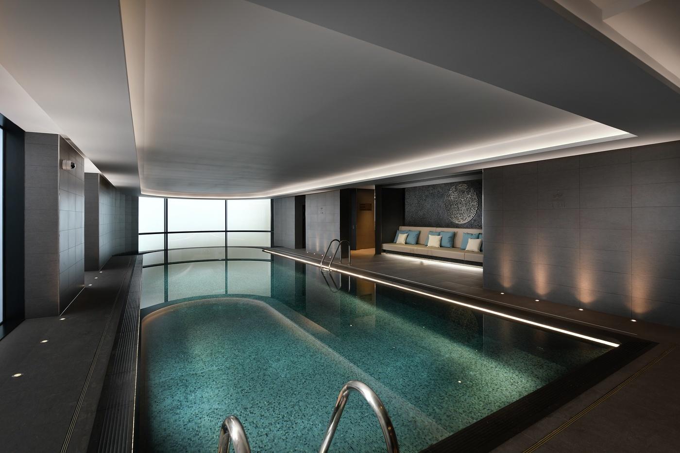The Corniche,Pool & Sport