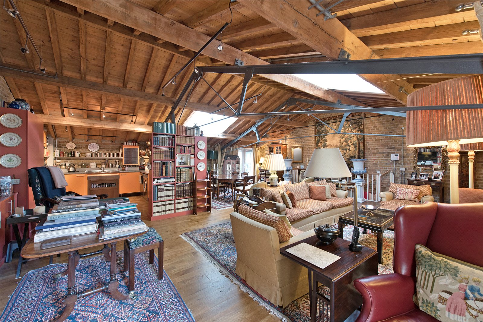 Butlers and Colonial Wharf,Family room