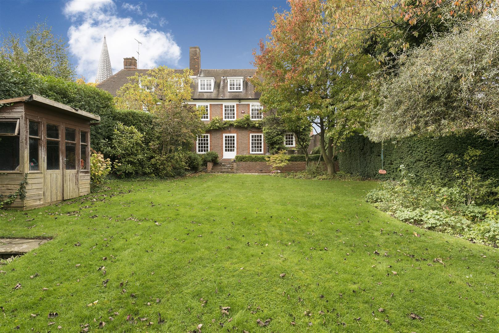 6 Bedroom Property For Sale In South Square Hampstead
