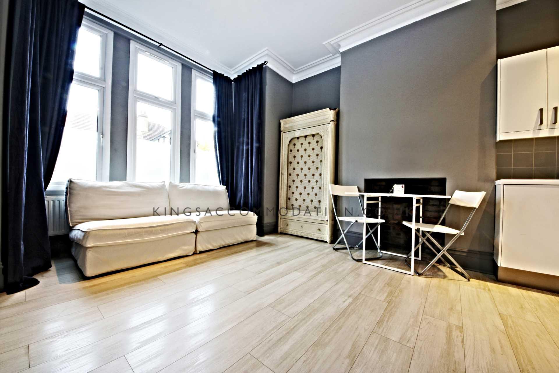 bedroom flat to rent in mount ephraim lane sw16 london