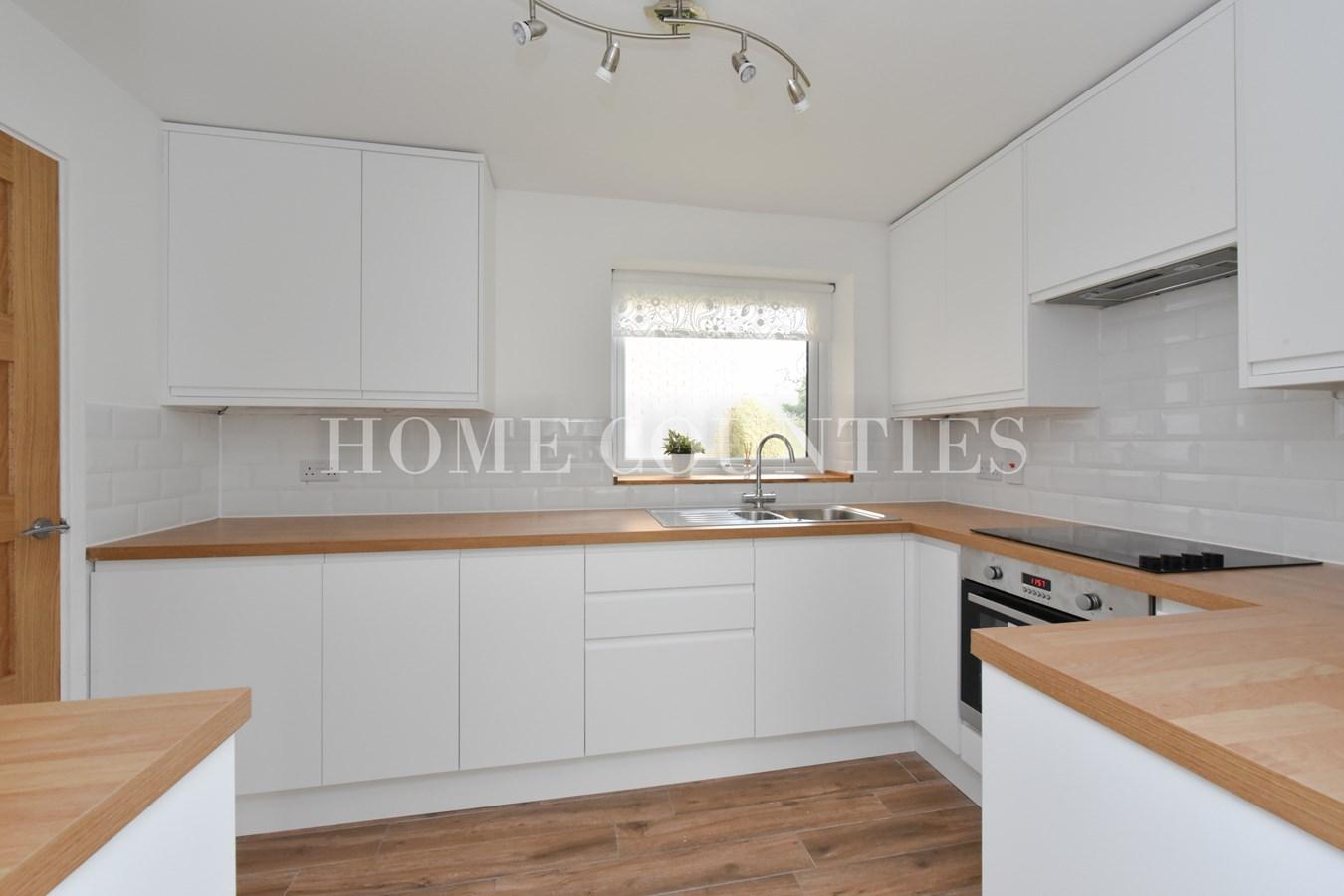 2 bedroom flat for sale in Hawkshead Road, Potters Bar EN6, London