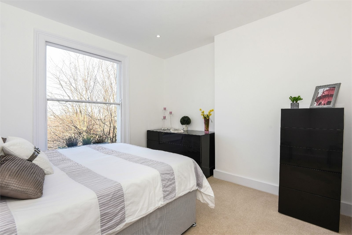 2 Bedroom Flat For Sale In Vartry Road N15 London