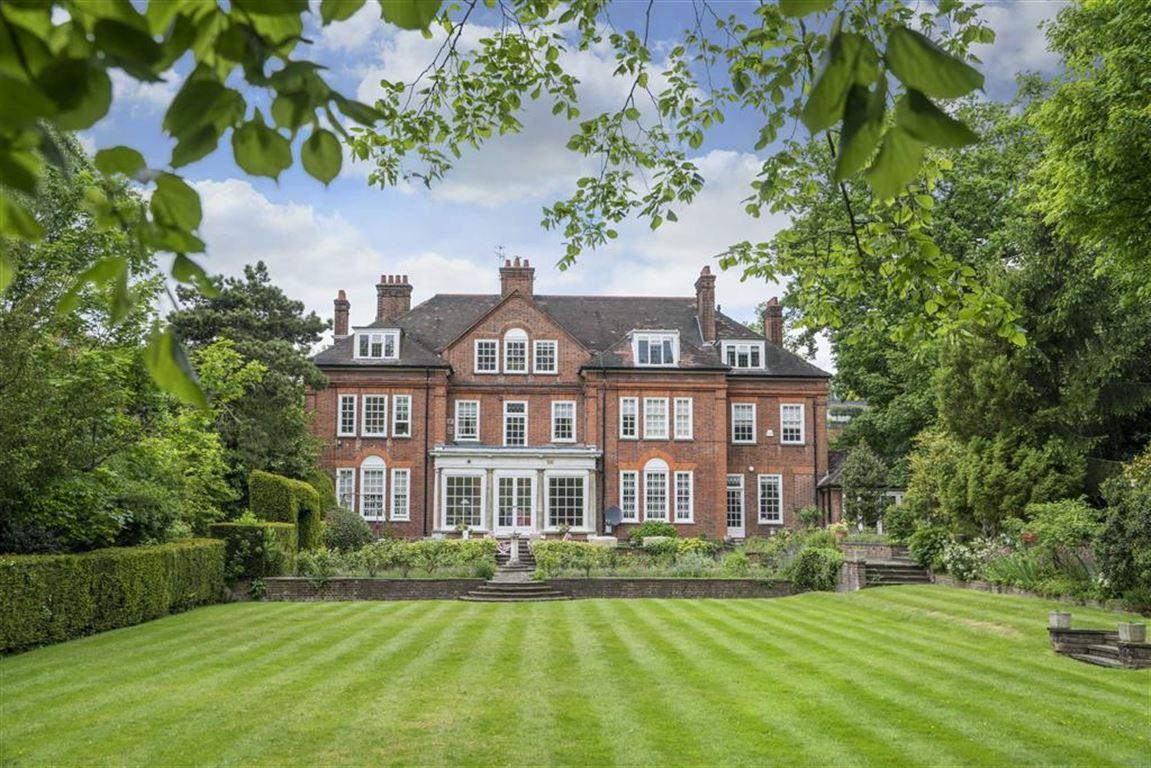 10 bedroom property for sale millionplus for 10 bedroom house for sale