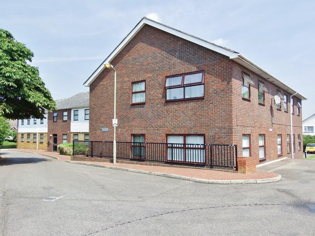 1 bedroom flat for sale in hartington close farnborough