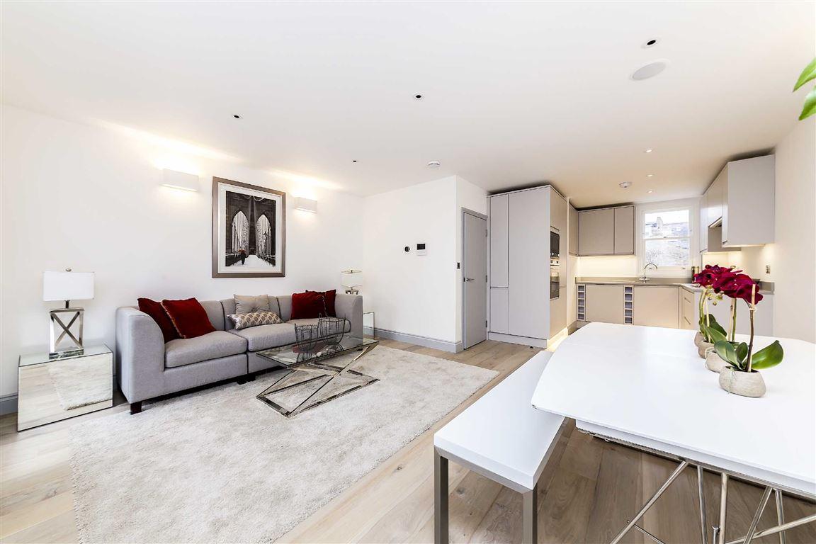 2 Bedroom Flat For Sale In Munster Mews Lillie Road Sw6 London
