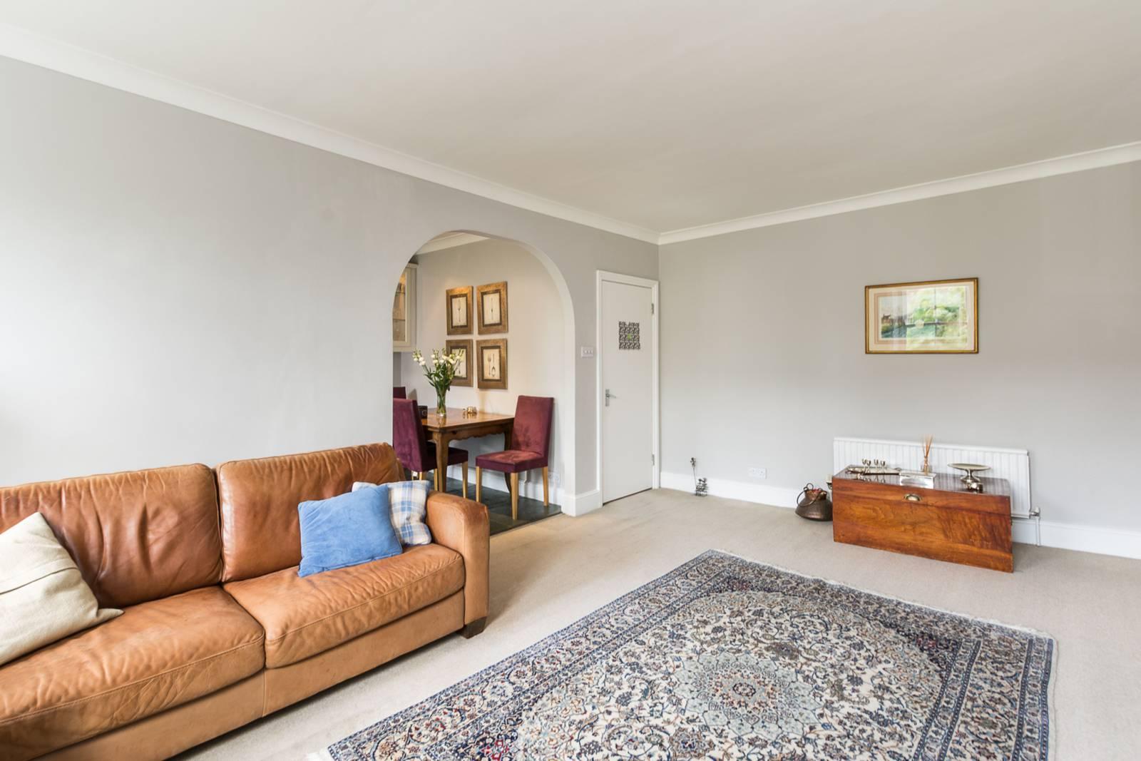 2 Bedroom Flat For Sale In Earls Court Road Kensington W8 London