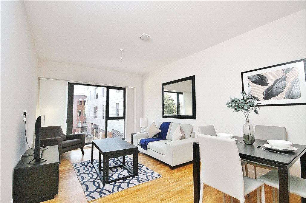 1 Bedroom Flat For Sale In Staines Road West Sunbury On Thames Middlesex Tw16 London