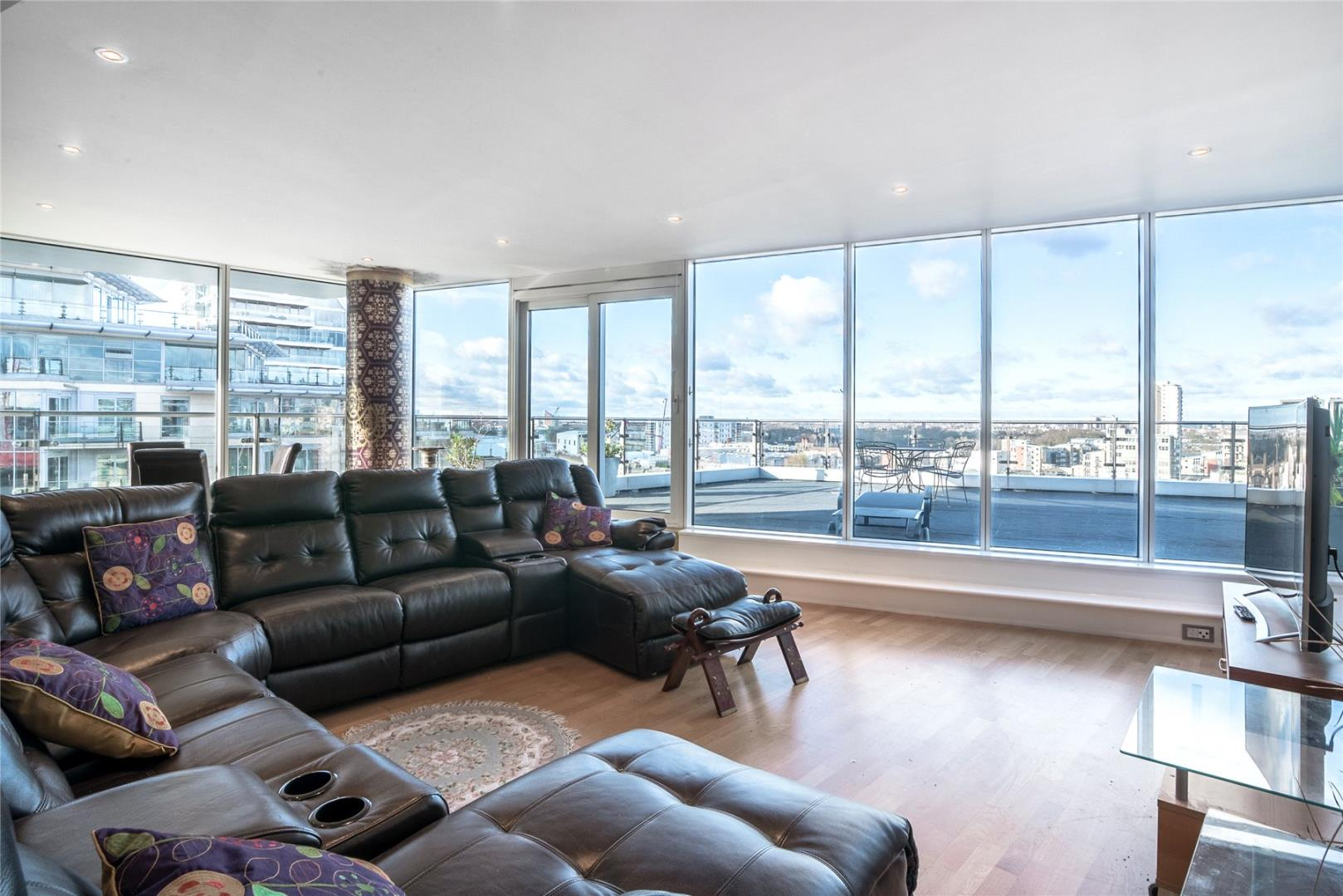 Commodore House, Juniper Drive, Wandsworth, London SW18, 2 bedroom ...