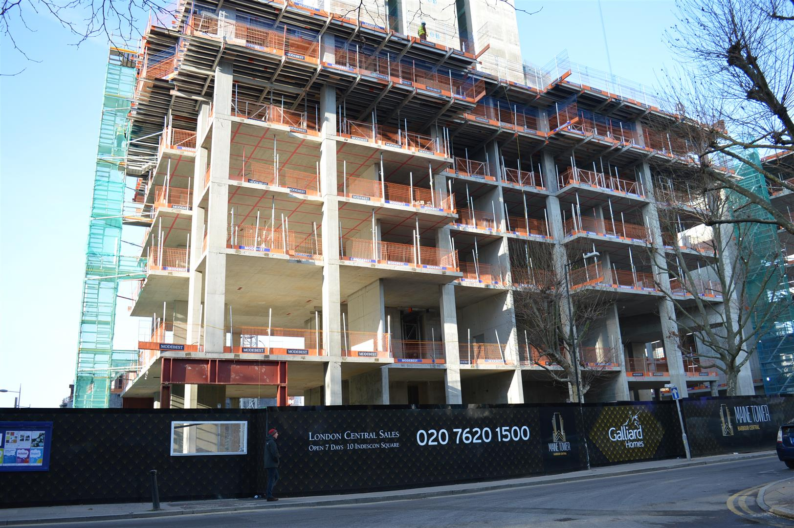 2 bedroom flat for sale in maine tower harbour central 2 bedroom flat in canary wharf to buy