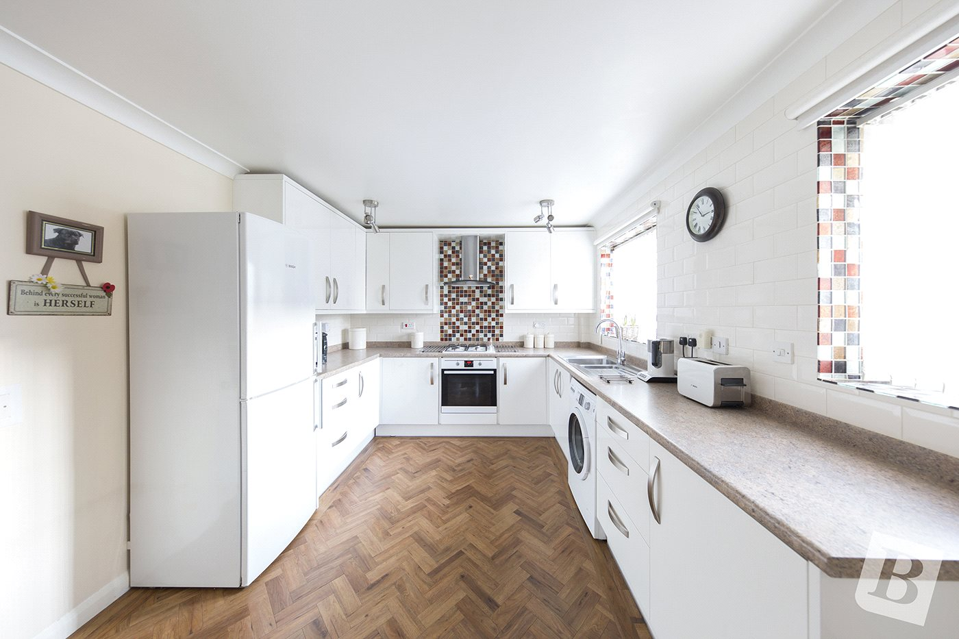 4 Bedroom Link Detached House For Sale In Guardian Close