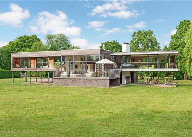 Top 10 grand designs houses zoopla for Top 10 house design