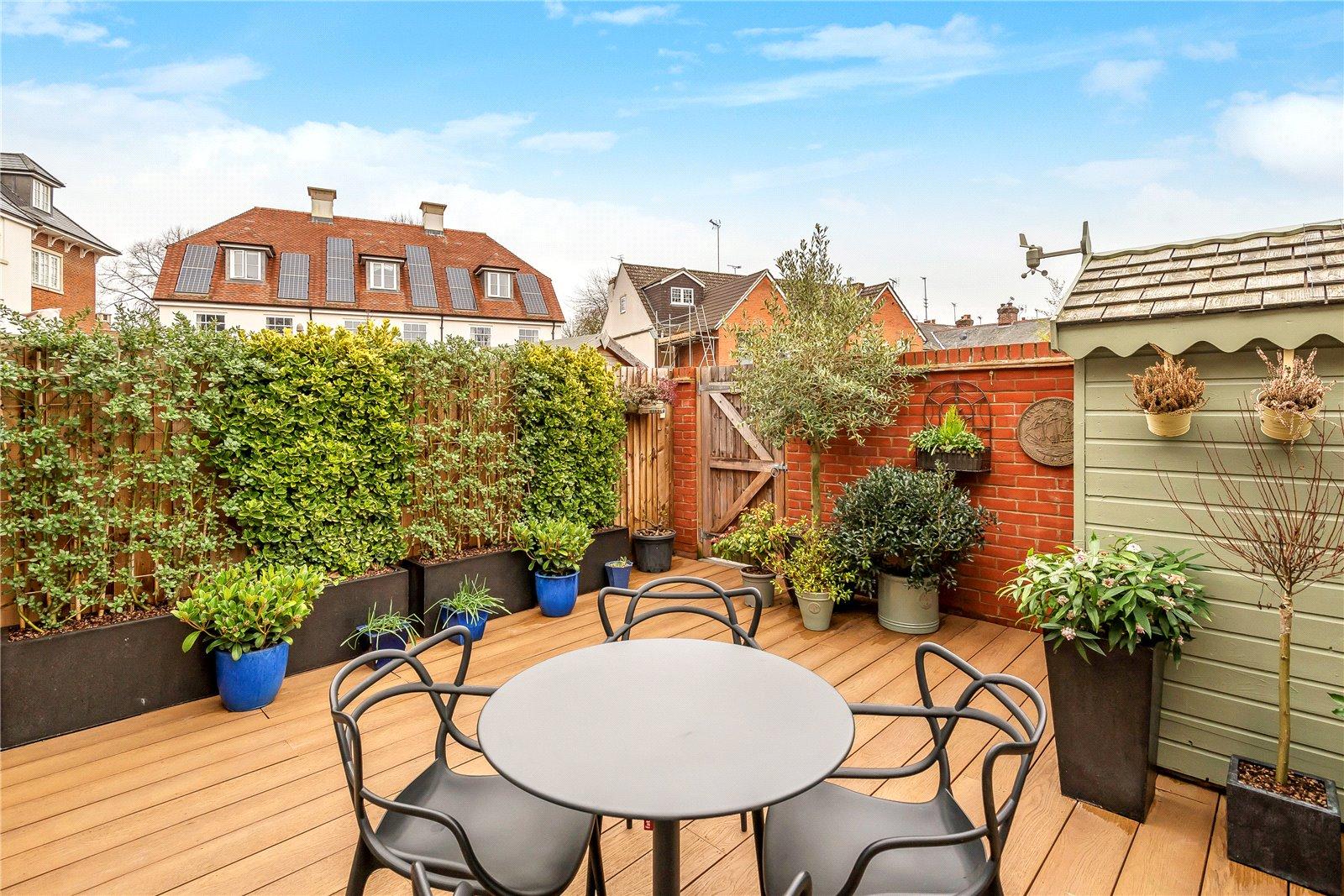 Bargate Homes,Garden