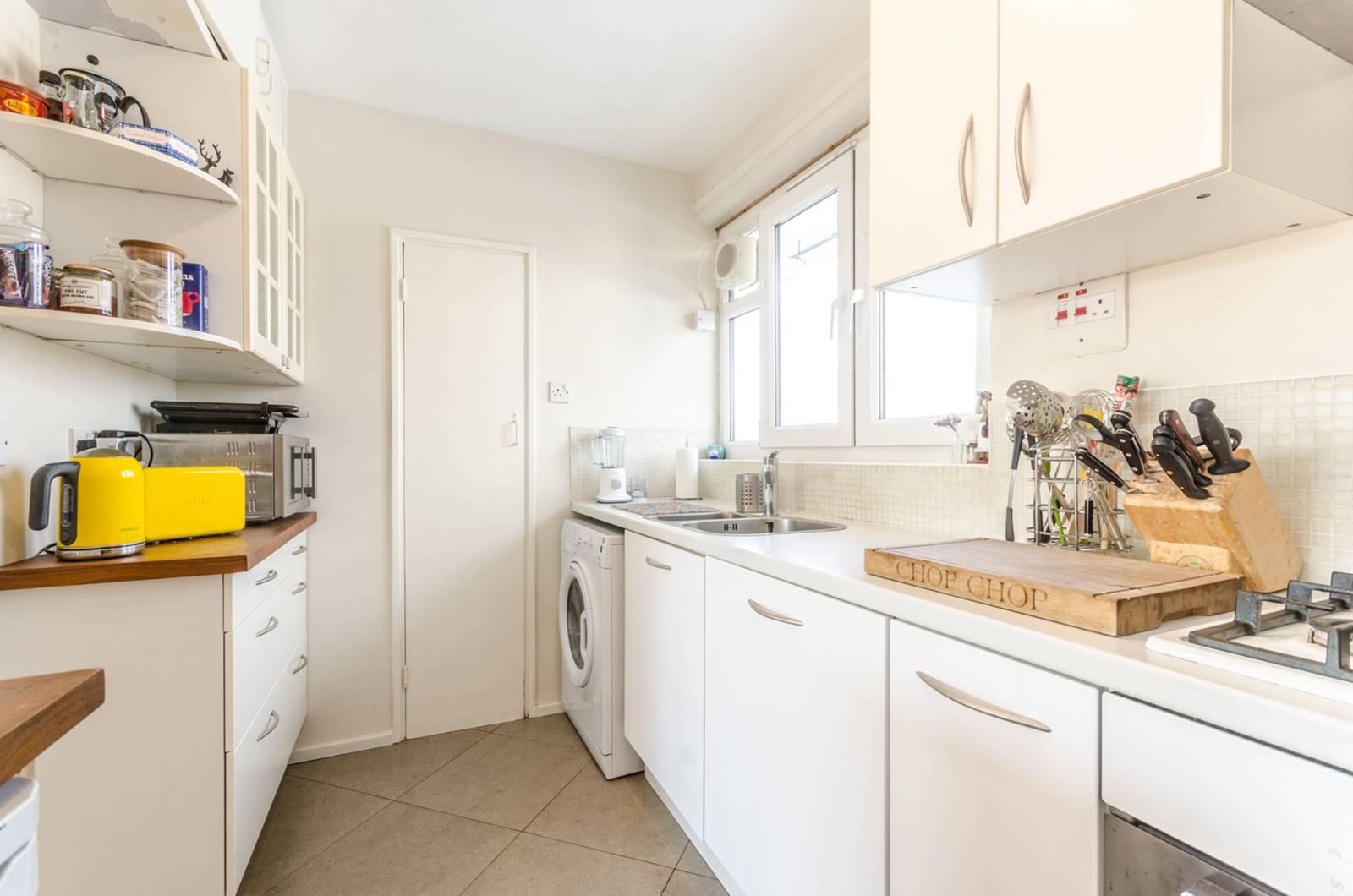 2 bedroom flat for sale in Arden Estate, Hoxton N1, London