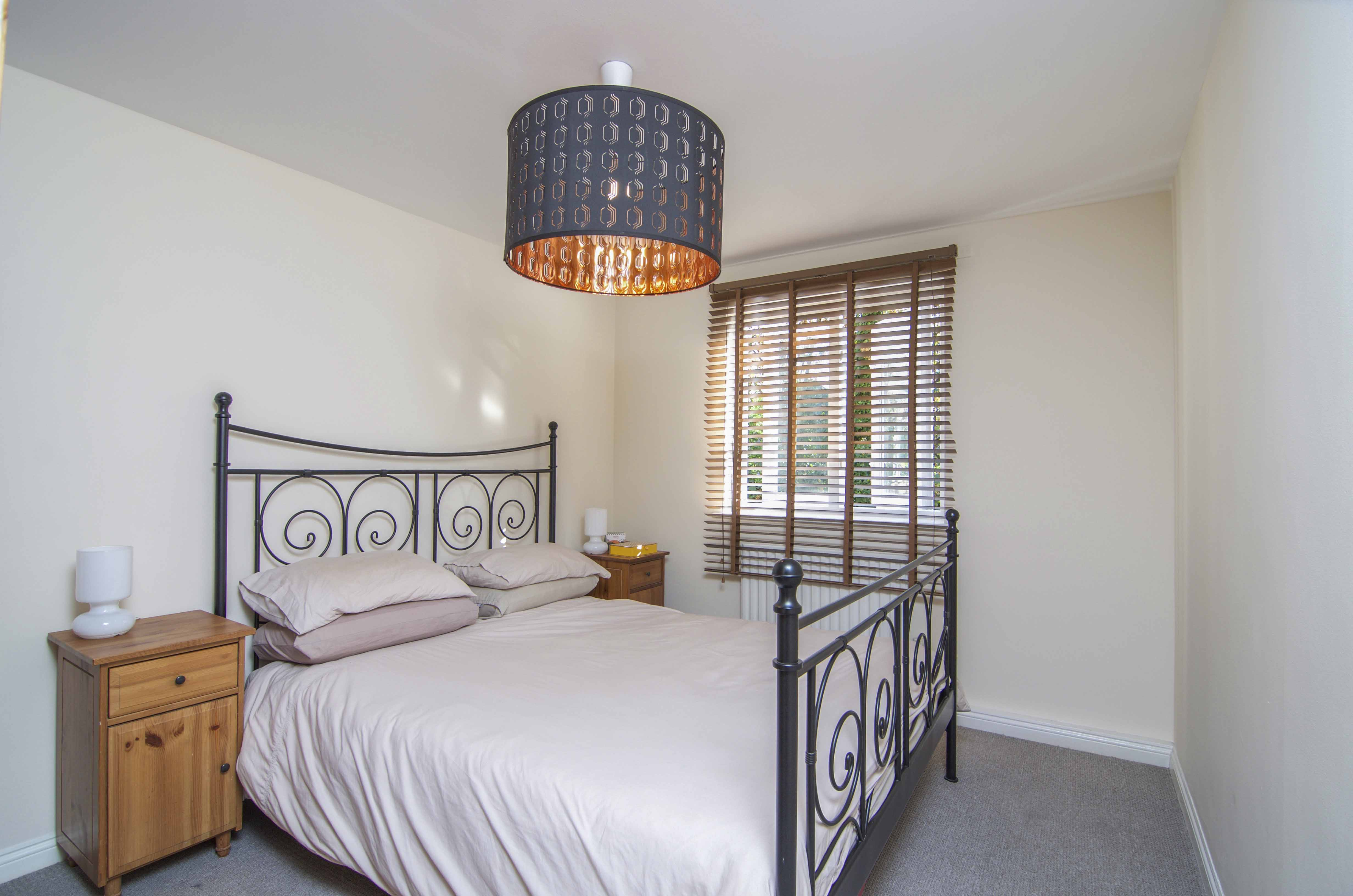 2 Bedroom Flat For Sale In Buxhall Crescent E9 London