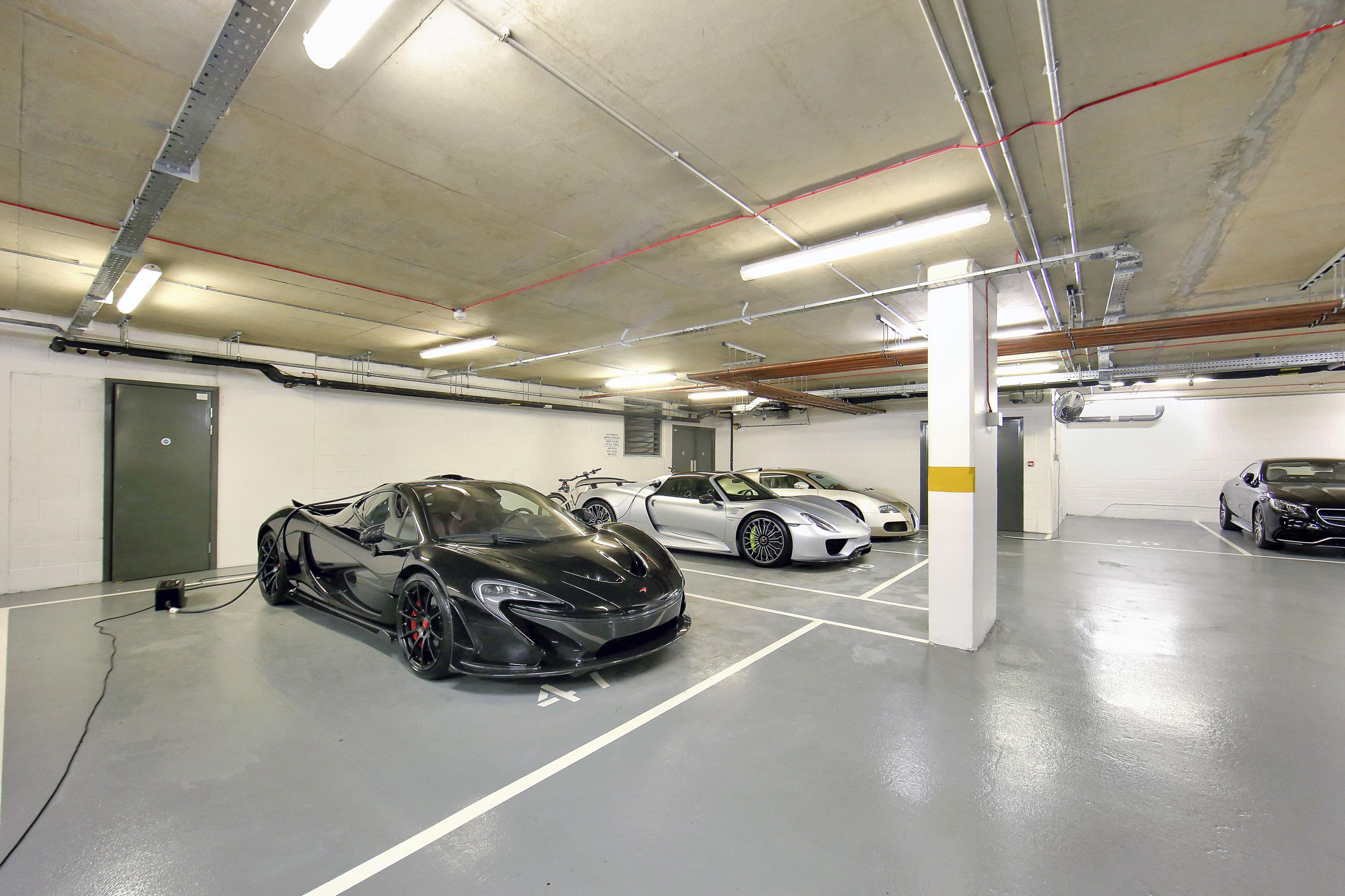 Lancelot Place,Drive,Parking,Garage