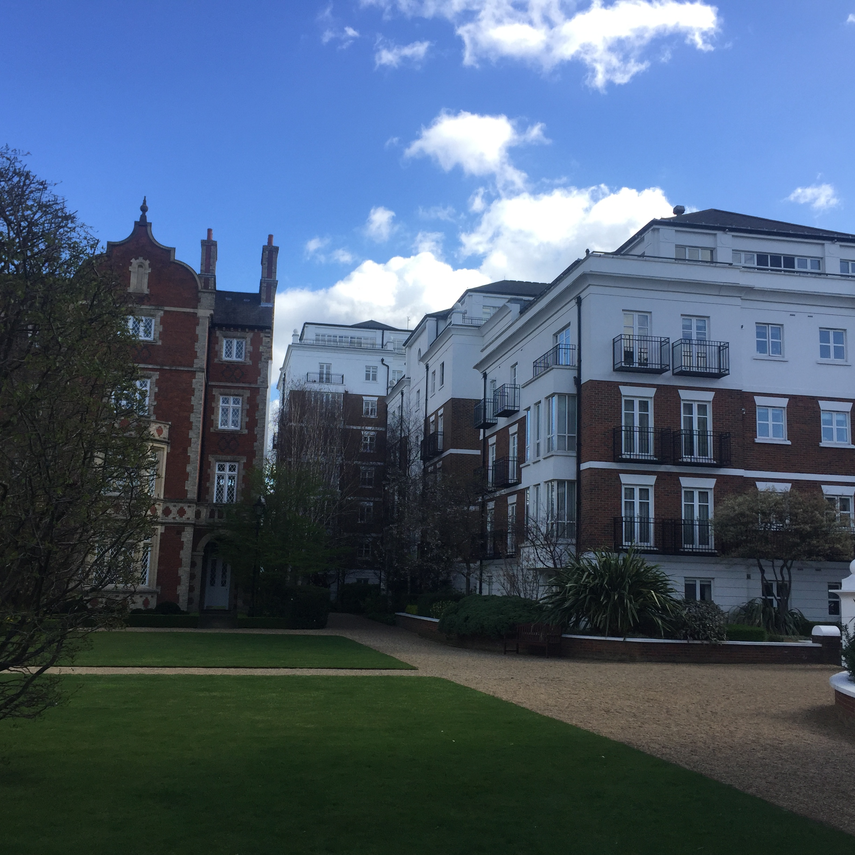 2 Bedroom Flat For Sale In Kensington Green, Stone Hall