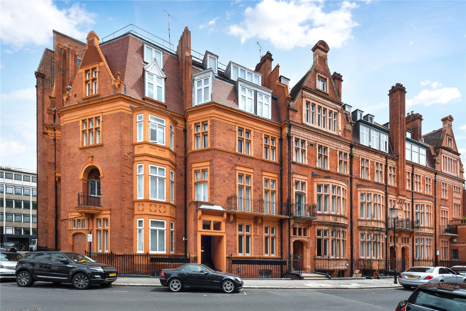 2 Bedroom Flat For Sale In Herbert Crescent Knightsbridge Sw1x London