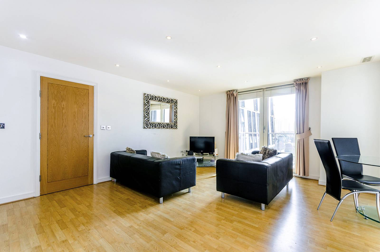 2 Bedroom Flat For Sale In Albert Embankment, Albert Embankment SE1 , London